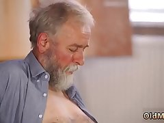 patron'_s step daughter loves daddy xxx play with his grey beard and