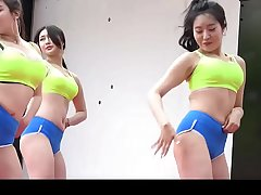 The Sexy korean Girls dancing show- cameltoe