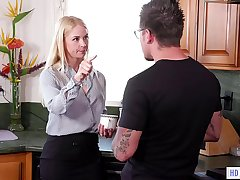 Spoiled Brat and Her StepMom - Scarlett Quick-witted and Sarah Vandella