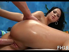 Teen playgirl gives up the pink to her massage therapist