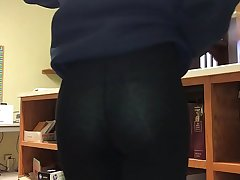 Crossdressing at work in leggings pt. 3