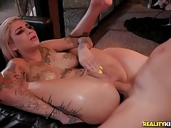 FULL SCENE ON http://bit.ly/SneakySexxx - Trick Or Twat - Bonnie Rotten